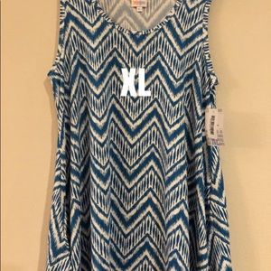 XL PERFECT TANK CHEVRON PRINT BRAND NEW WITH TAGS